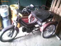 vand moped cu trei roti foto