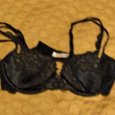 Sutien Victoria's Secret 38C - pret redus, Demicupa, Marime sutien: 85