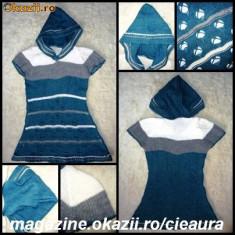 Rochie tricotate - ROCHIE FASHION TRICOTATA cu GLUGA ASCUTITA si MANECA SCURTA RAGLAN, GRI PETROL, GRI, ALB