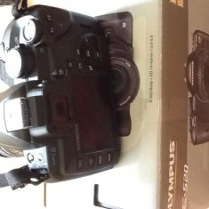 Aparat foto Olympus E-520 - DSLR Olympus, Kit (cu obiectiv), 10 Mpx