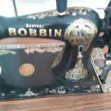 Vand masina de cusut marca BOBBIN,an fabricatie 1852,stare foarte buna si functionala,seria: 156269.Pret:4800 negDoar oferte serioase