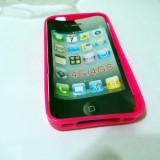 Vand husa silicon Iphone 4/4S culoare roz inchis (calitate foarte buna)