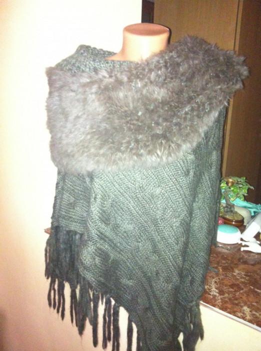 Poncho/ cardigan / jacheta de vanzare superb si tricotat ! foto mare