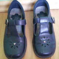 Pantofi negri de fete usor folositi dar buni, lungime talpa 19 cm - Pantofi copii, Culoare: Negru, Negru