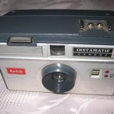 Aparat de Colectie - Aparat foto vechi Kodak- Instamatic Camera
