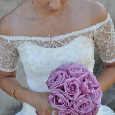 Rochie de mireasa model unic facuta la comanda poate fi purtata lunga cat si scurta intr-o stare foarte buna material de calitate cu dantela din Itali - Rochie de mireasa printesa