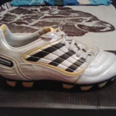 Ghete fotbal - Ghete Adidas pt fotbal cu crampoane