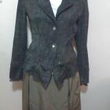 Costum fin de dama cu fusta din satin si sacou din bbc si dantela la manseta - Costum dama Next, Marime: 40, Culoare: Auriu