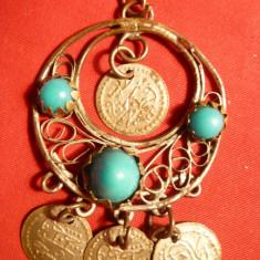 Medalion Oriental cu peruzele si monede turcesti