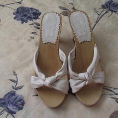 Saboti dama - Saboti eleganti albi cu talpa din lemn