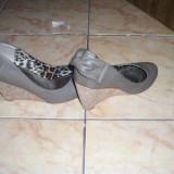 pantofi platforma cul gri mas 36 ff comozi stare impecabila 23 cm int