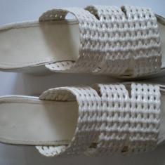 Papuc alb cu talpa inalta - Papuci dama, Marime: 39
