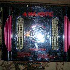 Amplificator audio, peste 200W - Amplificator auto, Majestic