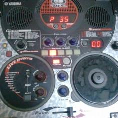 Mixer audio yamaha djx2b, are CD (si prin posta romana)