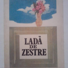 Carte de povesti - Lada de zestre - Victor Rusu (ilustratii de Gabriel Kazinczy) / C1P