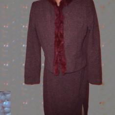 Costum dama, Costum cu fusta - Costum cu guler din blana naturala