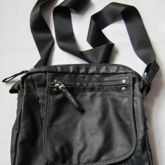 Geanta barbati Calvin Klein Jeans, panza cerata, originala, stare foarte buna, neagra - MODEL POSTAS!!!, Geanta tip postas, Negru