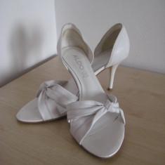 Pantofi marimea 39 ALDO din piele pentru ocazii/evenimente/cununie/mireasa/nunta, adusi din USA, culoarea alba - Pantof dama