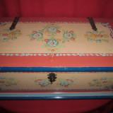 Lada de zestre frumos pictata manual vopseaua originala 93x47x46 cm