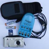 HP PhotoSmart M417 Aparat foto digital, Husă, 1 card 256 mb, 2 acumulatori, 1 încărcător pentru acumulatori, cablu de date, CD - - Aparat Foto compact HP, Compact, 5 Mpx, 3x, Sub 2.4 inch