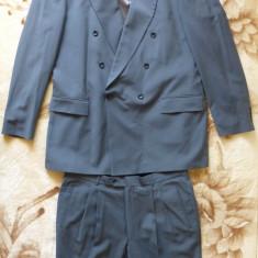 Costum Hugo Boss; pentru o inaltime ∼ 1.82-1.85, vezi dimensiuni; 100% lana pura
