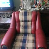 Set canapea extensibilă cu două fotolii, model făcut la comandă, stare foarte bună
