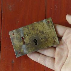 Broasca veche pentru cufar - lada de zestre fara cheie !!! - Metal/Fonta