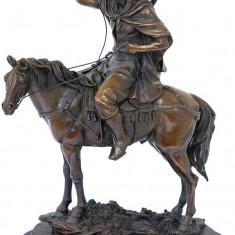 Sculptura - LUPTATOR ARAB PE CAL - STATUETA DIN BRONZ PE SOCLU DIN MARMURA