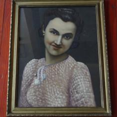 tablou cu rama din lemn si sticla - pictura - portret semnat - carton !!!!