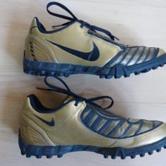 Ghete fotbal - Crampoane Nike Total 90, Made in Indonesia; marime 36 (23 cm talpic interior)