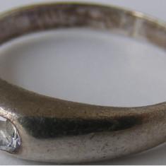 Inel vechi din argint cu piatra alba (7) - de colectie