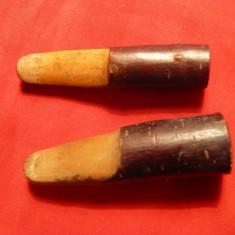 2 Tigarete vechi din lemn de cires, diametre int. = 1, 6cm si 9mm