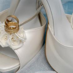 Pantofi dama Otter, Marime: 39, Alb - Vand pantofi mireasa marimea 39