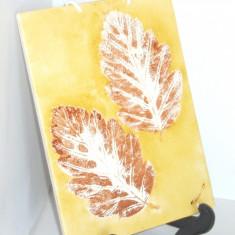 Placheta (aplica) faianta UNICAT, pictata manual - Frunze - semnata Karin 87 - Arta Ceramica