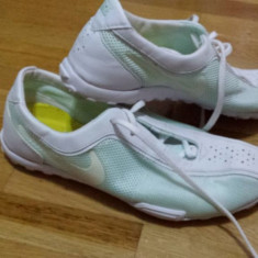 Tenisi de sala nike 37 - Tenisi dama Nike, Culoare: Din imagine