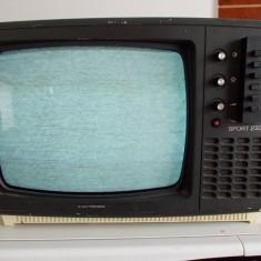 TELEVIZOR SPORT ROMANESC ALB-NEGRU ELECTRONICA 233E, PLATA AVANS IN CONT . - Televizor CRT