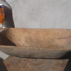 Mobilier - Covata de lemn / sculptata manual