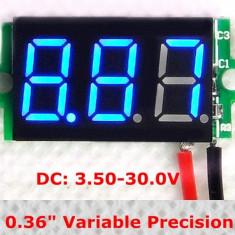 Voltmetru digital cu leduri albastre, 3.5 - 30 V, cu 3 digit si 2 fire