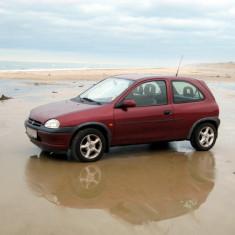 Dezmembrez opel corsa b - Dezmembrari Opel