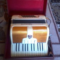 Vand acordeon Timis 32 basi