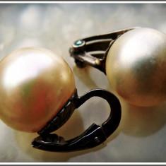 AuX: CERCEI nepereche cu imitatie de perla si sistem de prindere cu clips din argint .800, vechi, anii 1960! - Cercei perla