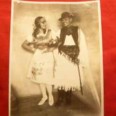 Fotografie - Pereche in Costum Popular Maghiar 1925