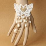 Bratara Fashion - Bratara alba dantela mireasa model fluture cu inel si perle