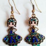 Superbi cercei auriti, emailati si ornamentati cu diverse cristale colorate