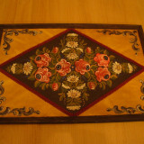 Tablou inramat, pictat manual,pe lemn,rustic , imagini florale,adus din Germania