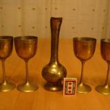Metal/Fonta - Lot pahare (pahar) si carafa ( 20cm) motive orientale, aduse din Germania