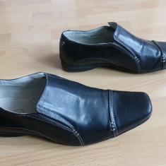 Pantofi de gala din piele lacuita Memphis One, cu membrana;marime 43; impecabili - Pantofi barbati, Culoare: Din imagine