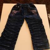 Blugi, pantaloni pentru fetite, incretiti, marimea 4-5 ani