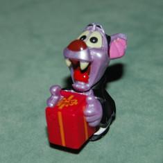 Figurina jucarie, Ferrero (kinde surprise), soarece mov vampir, Dracula, cu cutie cadou cu floare, 4x 3 cm, plastic, colectie - Surpriza Kinder