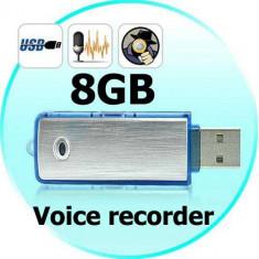 Stick Reportofon Spionaj 8GB | Autonomie 18 ORE | 100 ORE Inregistrare | +CADOU! - Camera spion